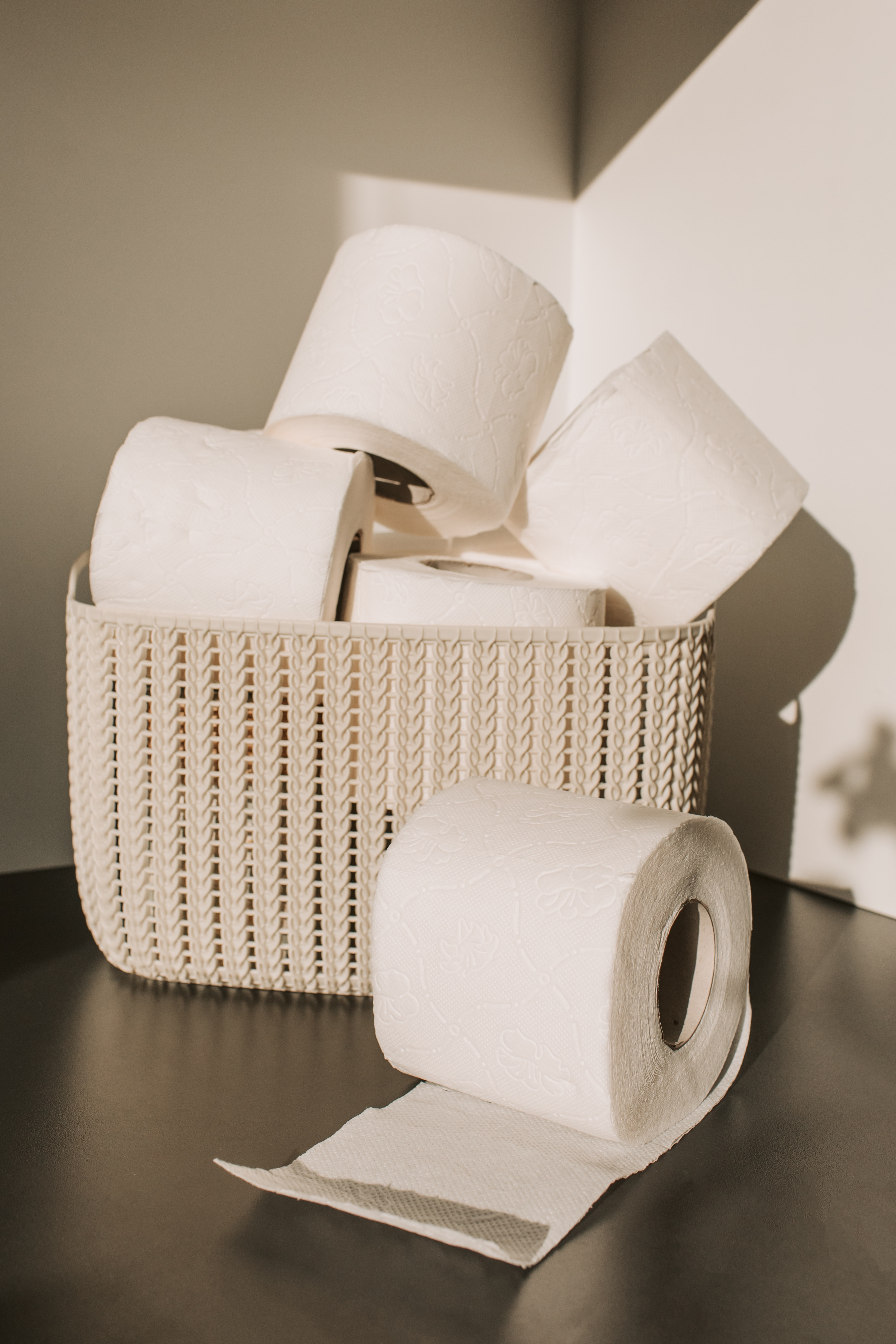 white-toilet-paper-roll-on-woven-basket-3958196 (2)