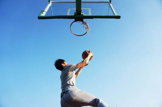 man-dunking-the-ball-163452 (3)